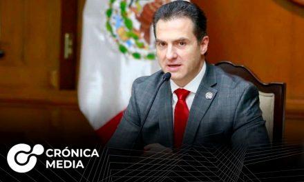 Adrián de la Garza lidera encuestas en Nuevo León