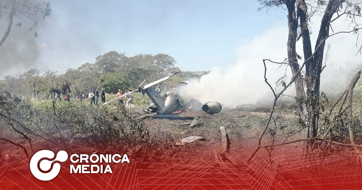 6 militares mueren tras desplomo de avión