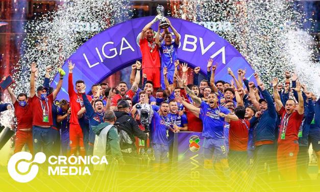 Cruz Azul campeón de Liga Mx, las celebraciones se salen de control.